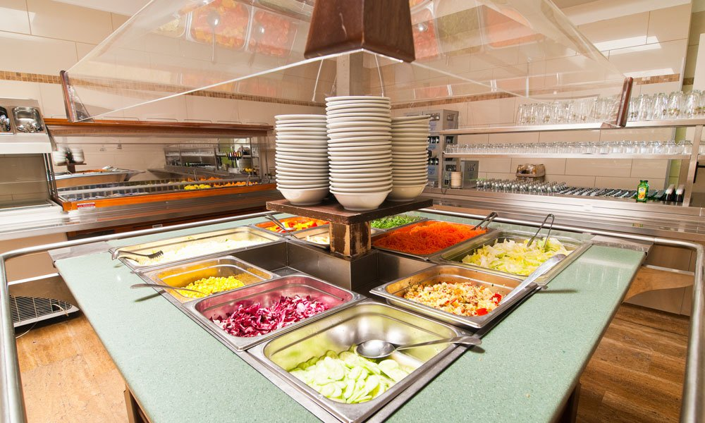Breakfast, half board or full board - you have the choice
