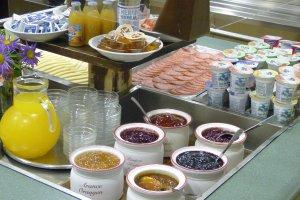 Breakfast, half board or full board 3